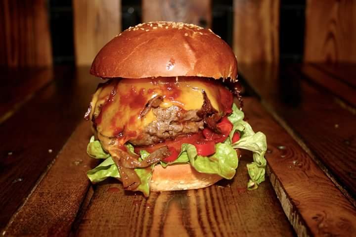 [Piwy's Burger Oberhausen lokal]15% Rabatt auf alles (plus Gewinnspiel 15x 15 Euro)