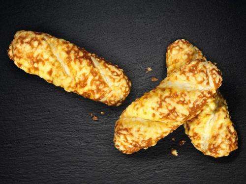 [Lidl ab 5.12.] Drei Käse-Laugenstangen für nur einen Euro (30% gespart)
