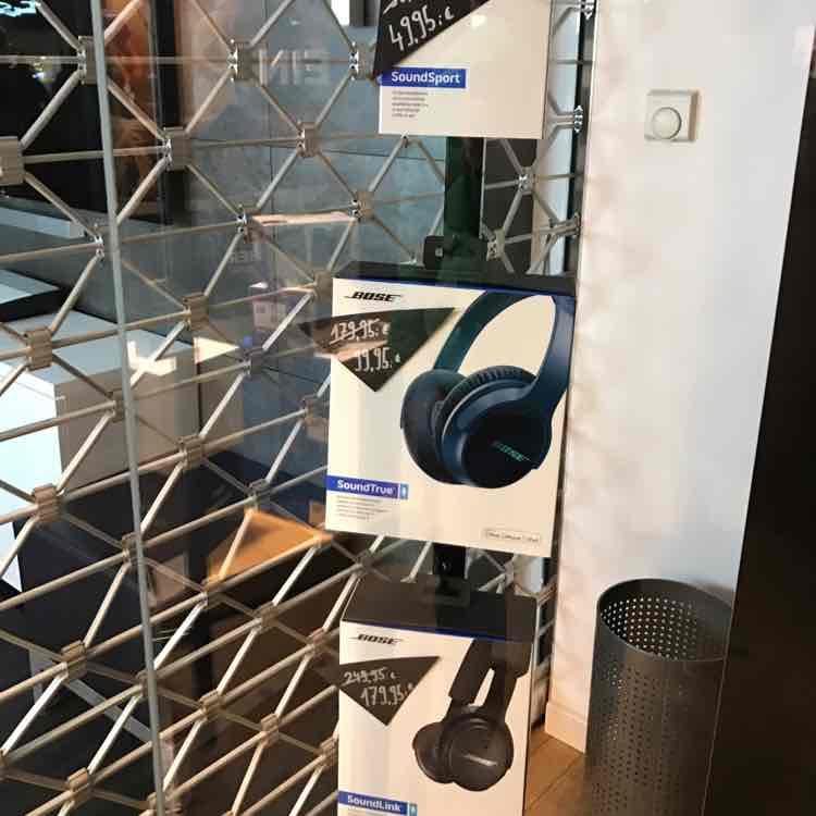 [lokal Wiesbaden] Bose verschiedene Kopfhörer SoundSport für 49,99; SoundTrue für 99,95; SoundLink für 179,95