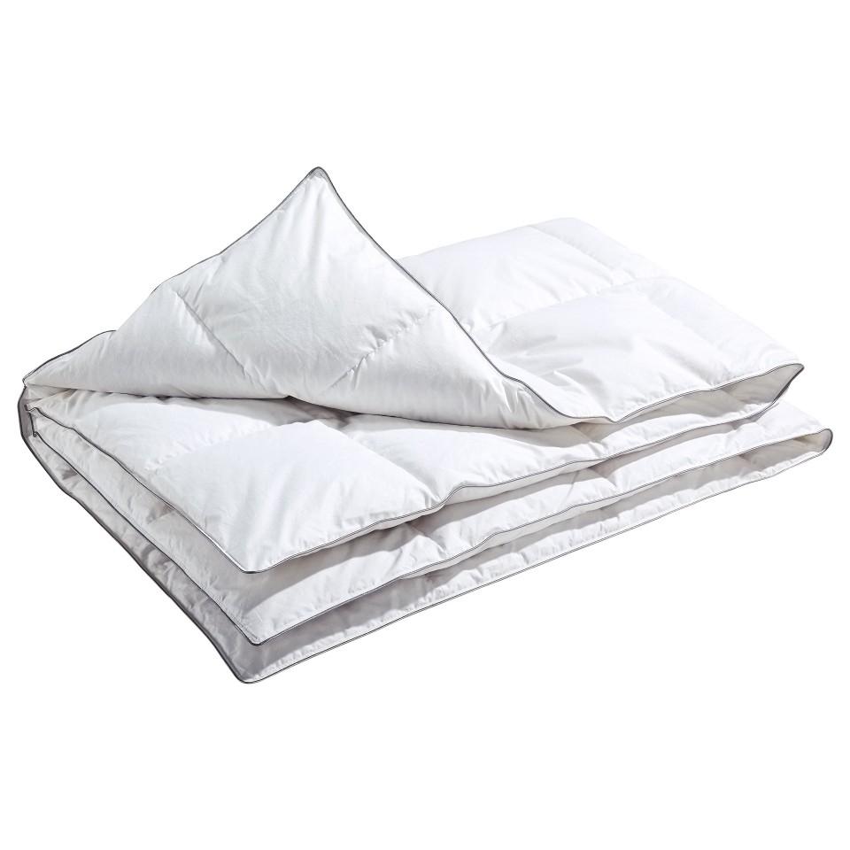 [Dänisches Bettenlager/ bundesweit] Daunen-Kassetten-Decke für 59,95 € statt 129,- €