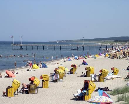 Hotel: 3 Tage Ostsee 3* (z.B. Fronleichnam-WE): 77,- € p.P. bei 2P. - 59,- € bei 3P. - 44,- € bei 4P. - auch Usedom mit ZDF EM-Studio am Strand