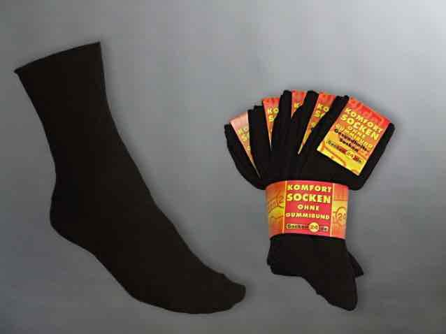 Weihnachten kommt... 100 Paar Socken zum Spitzenpreis in schwarz