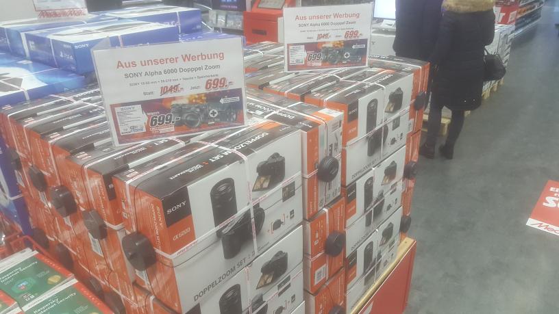[Media Markt Köln HoheStr] Sony Alpha 6000 Doppelzoomkit inkl. Tasche + SD 699€ (PVG 834€)