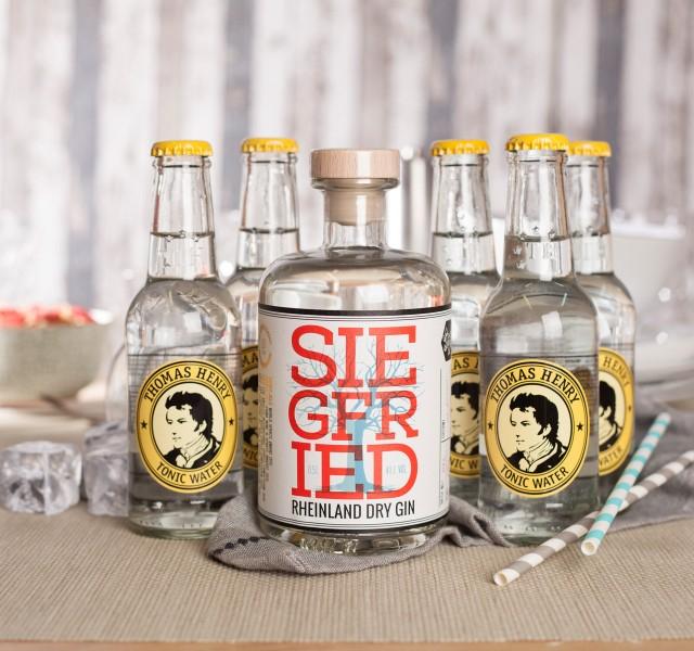 Silvesterdeal: Siegfried Gin + 5 Thomas Henry Tonic für 32,90€