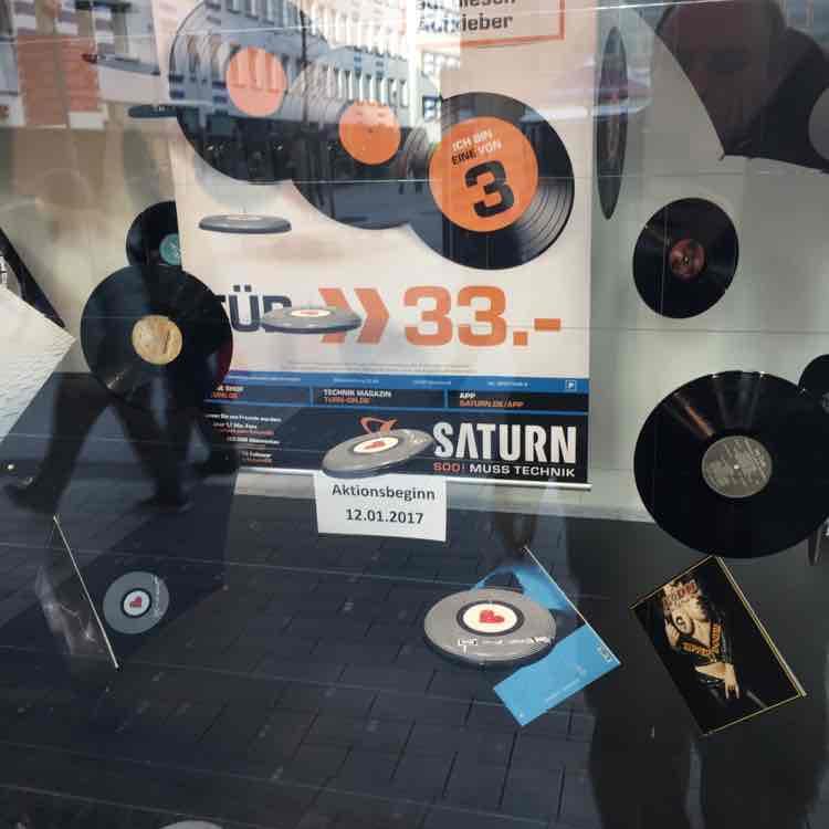 Lokal Saturn Dortmund City 3 LPs für 33€