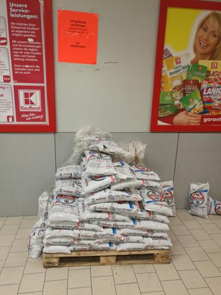 *kostenlos* [Kaufland Hagen Hohenlimburg] Streugut (ohne Salz) Lavagestein 10kg Sack