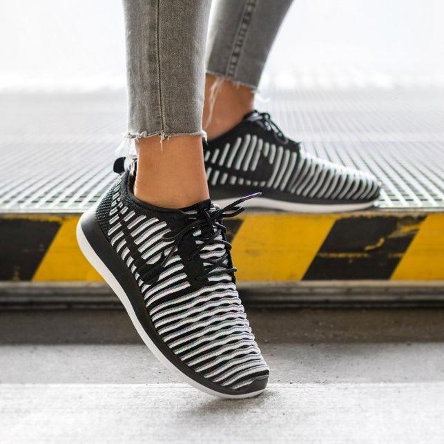 Nike WMNS Roshe 2 Flyknit für 57 EUR