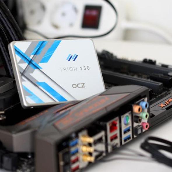 SSD - OCZ TRN150 240GB - Testnote Ø 1,6 laut Idealo & aktuell 2+ Wochen Lieferzeit