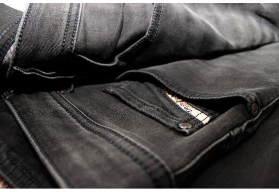 (Dealclub.de) DIESEL Herren Jeans SAFADO Regular Slim Straight schwarz // viele Größen