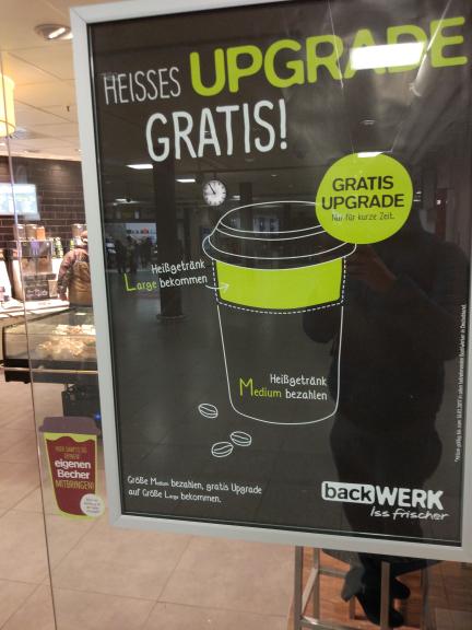 """""""Coffee to go"""" Large für den Preis von Medium bekommen@Backwerk"""