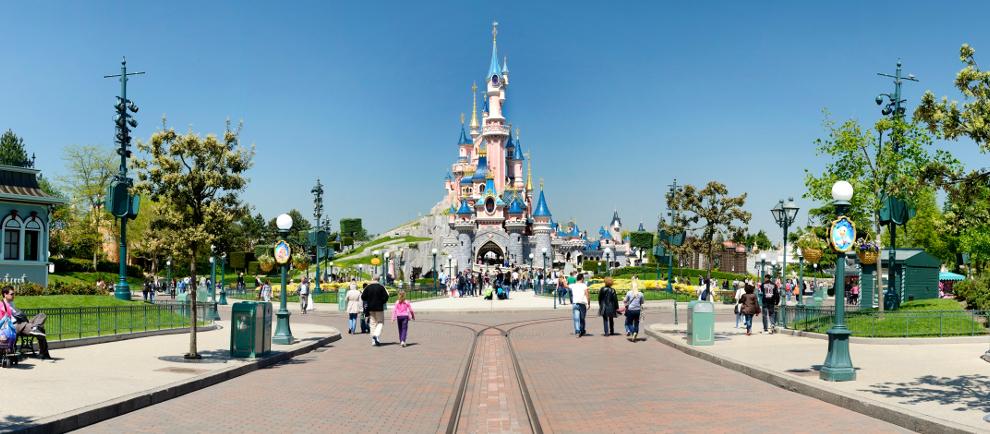 Günstig ins Disneyland Paris mit 4* Hotel