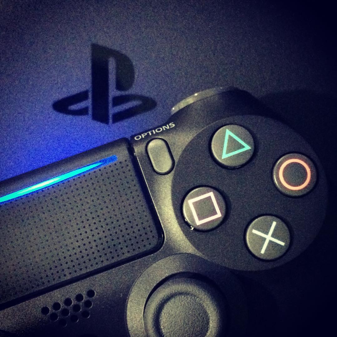 PlayStation 4 Slim - Konsole 1 TB für 247,45€ (eBay)