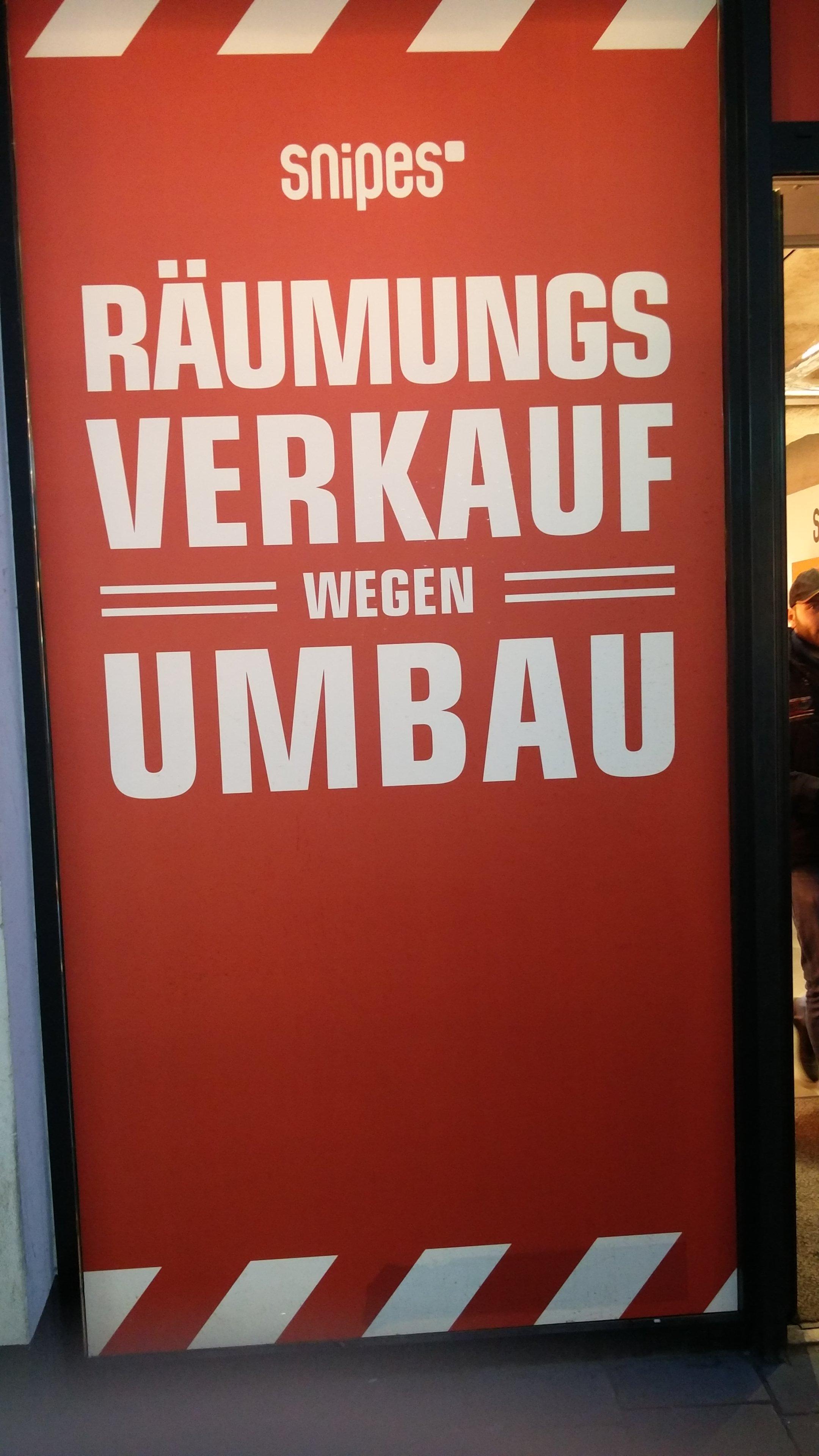 Lokal Bonn Snipes Räumungsverkauf Reduzierungen + 10 Euro Rabatt Schuhe