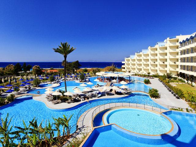(Travelzoo.com) Rhodos (Griechenland) Flug & 7 Nächte 5*Hotel (97% HolidayCheck), Zug zum Flug, Transfer, Deluxe-Doppelzimmer mit Meerblick (45m²) (388€/Person) / Viele Abflughäfen, viele Termin (April / Mai)