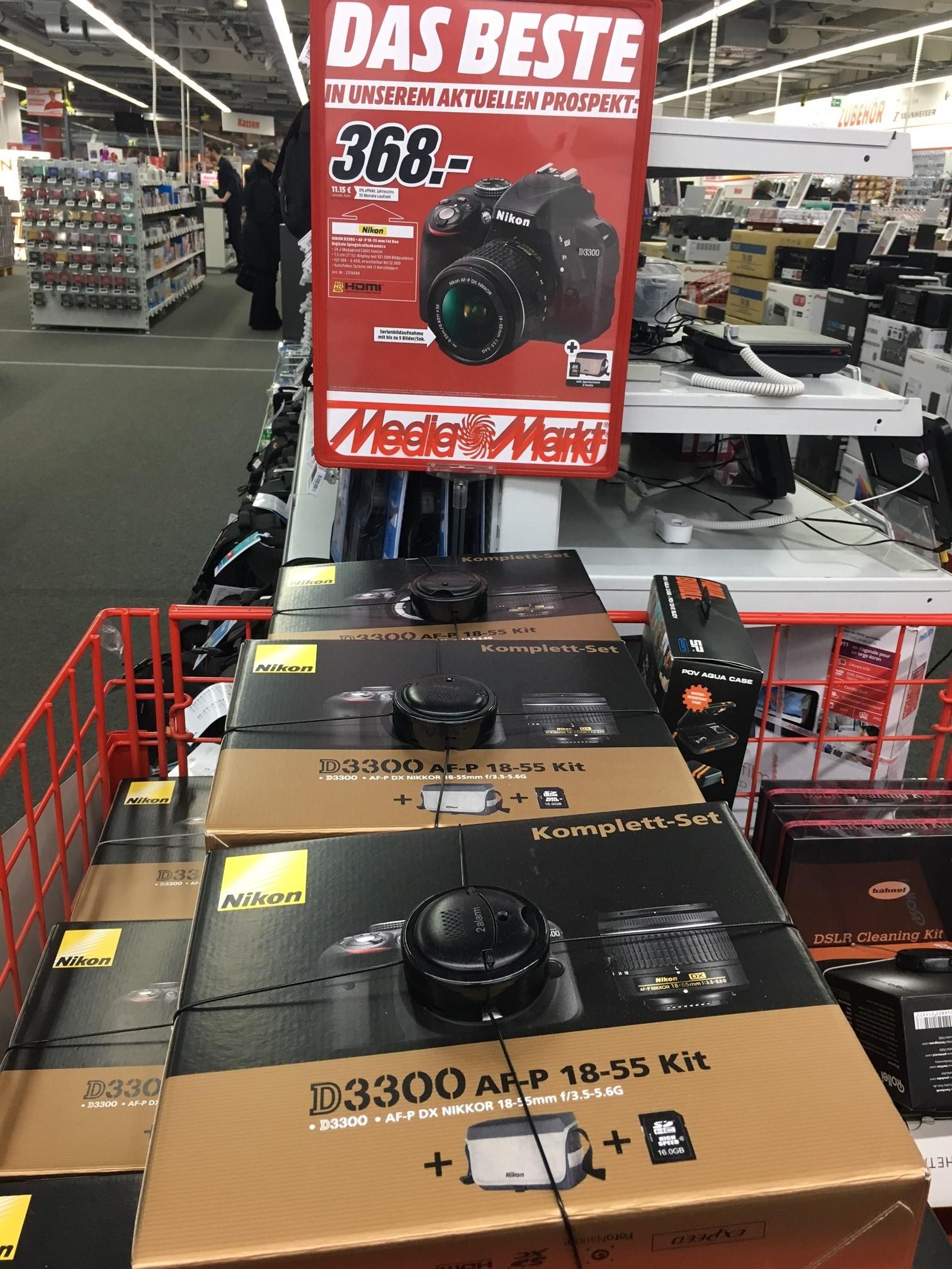 [Lokal MediaMarkt HH-Altona] Nikon D3300 AF-P FAT BOX inkl. AF-P 18-55 mm Objektiv  + Tasche + 16 GB SD Card