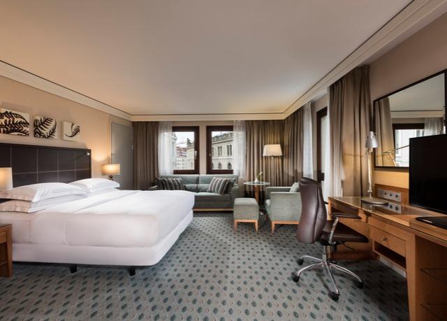 Hilton Hotel Dresden Hammerpreis 99 € inkl. Frühstück und Wellness, inkl. Minibar usw..
