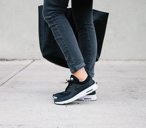 Nike Air Max Thea Damenschuhe in verschiedenen Farben mit 55 € Gutschein