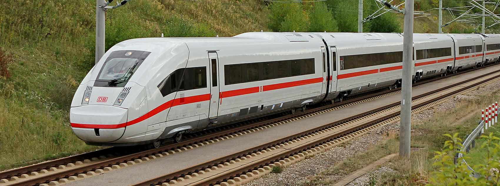 1 DB-Zugticket deutschlandweit (2. Klasse, oneway) inkl. 3 Monate Maxdome (nur Neukunden)