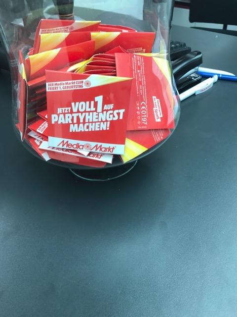[ Lokal Media Markt Hamburg Nedderfeld ] gratis Kondome für alle !
