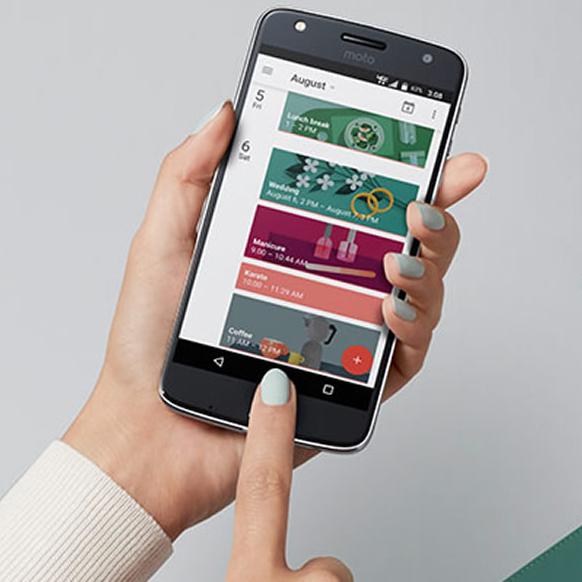 Lenovo Moto Play Z: Akkumonster und erweiterbar (z.B. mit Beamer-Modul)