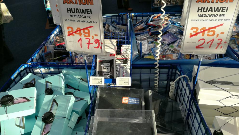 [Lokal Saturn Berlin] Huawei Mediapad T2 LTE für 179€ &  M2 WiFi für 217€