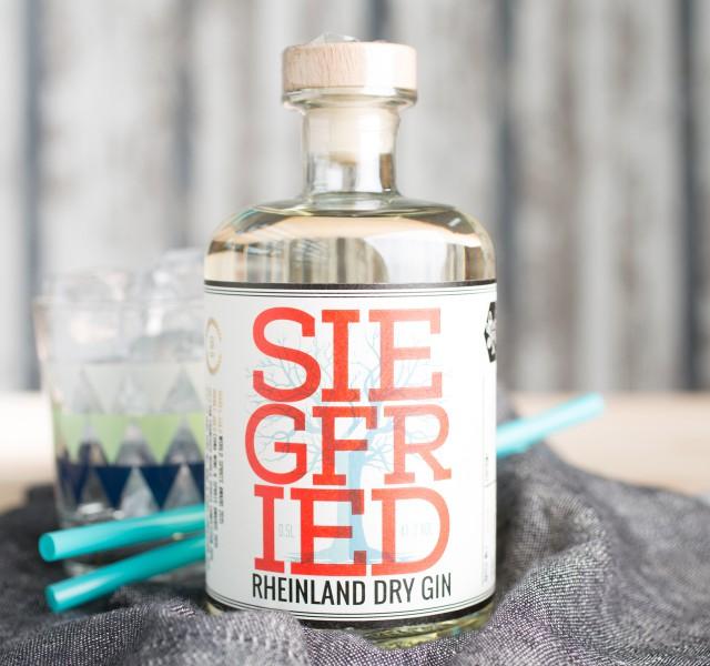 [Foodist.de] 2x Siegfried Rheinland Dry Gin (0,5l) für 49,90€ inkl. VSK