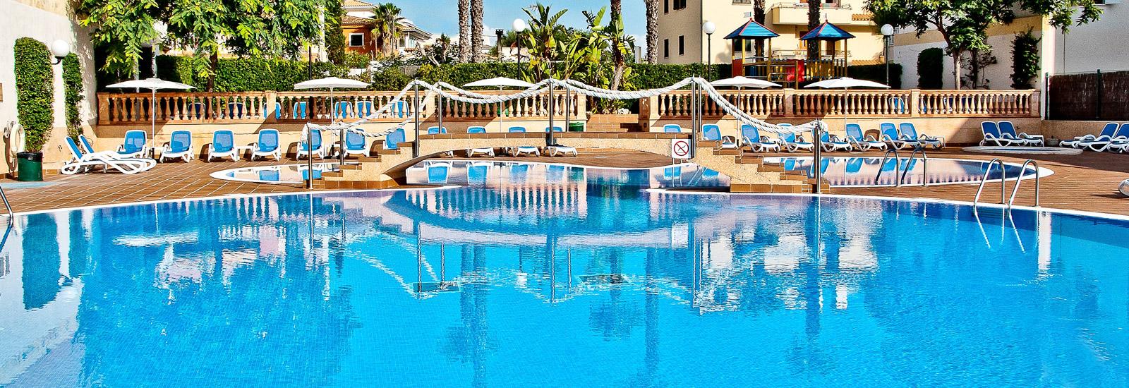 (LTUR:com) 2 Personen 6 Tage / 5 Nächte Mallorca , Flug & 4 Sterne-Hotel mit 93% HolidayCheck + Transfer, Zug zum Flug und Halbpension (288€/Person) (viele Abflughäfen, in April, Mai ab 299€)