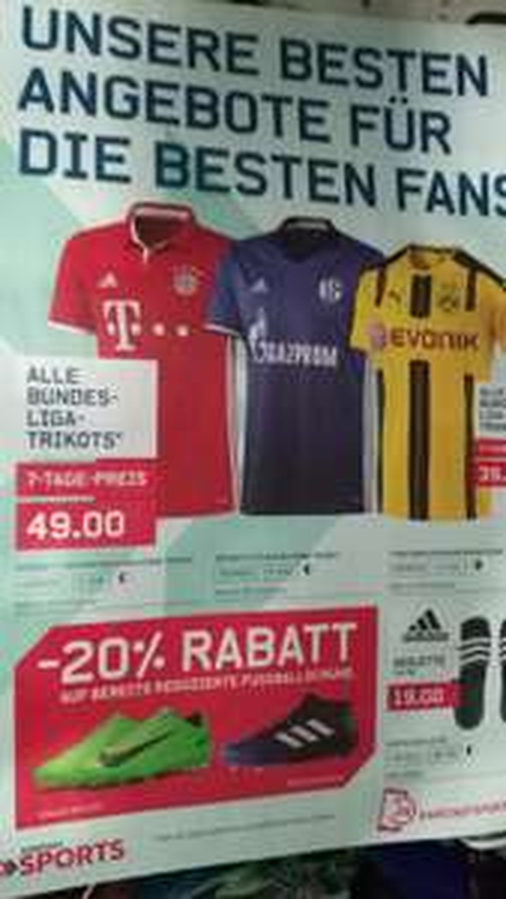 Bundesligatrikots bei Karstadt Sports