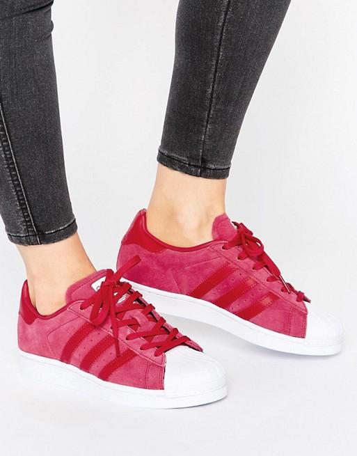Asos-Sale mit bis zu 50% Rabatt auf die laufende Kollektion, z.B. rosa adidas Superstars für 59,49€ statt 79,90€