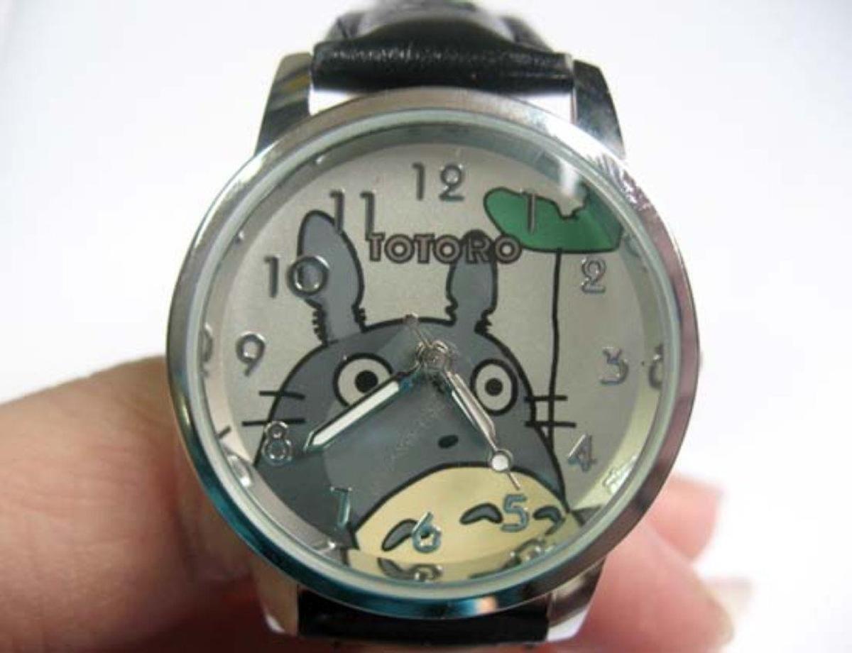 Sammeldeal für günstige und schräge WHD Uhren bei Amazon