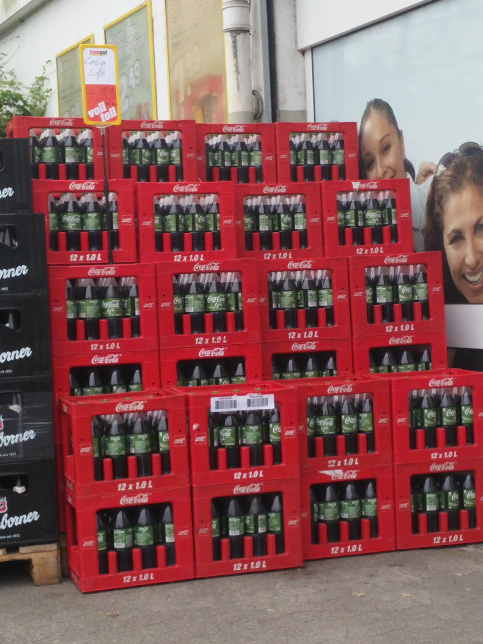 """[Lokal] Kasten (12x1l) """"Coca Cola Life"""" für 4,99 EUR (exkl. Pfand) bei """"TrinkGut"""" in 42551 Velbert"""