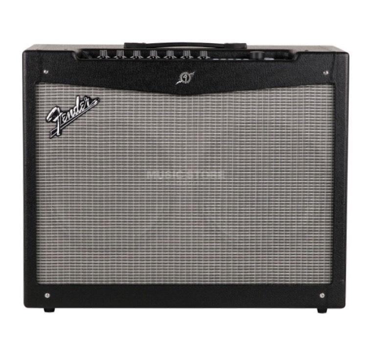 Fender Mustang 4 v2 Gitarrenverstärker bei Musicstore