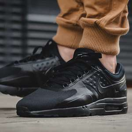 Nike Air Max Zero Essential (schwarz oder weiß, viele Größen) [Foot Locker]