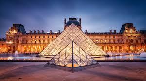 Paris Frankreich: 2 Nächte im 4* Hotel für 2 Personen mit Louvre Museum Besuch oder Schifffahrt auf der Seine für 171€