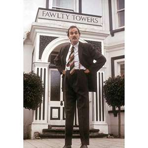 Fawlty Towers - Die komplette Serie plus alle Extras - Remastered (Blu-ray) für 17,97€ (Amazon Prime)