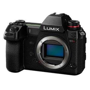 Panasonic Lumix S1R Systemkamera inkl. Batteriehandgriff   FotoColombo IT