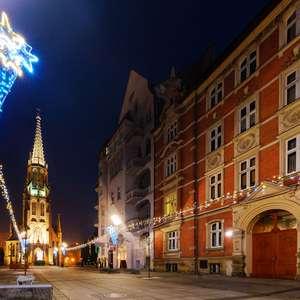 Flüge: Kattowitz, Polen [Okt.] Hin- & Rückflug ab Dortmund mit Ryanair ab 9€