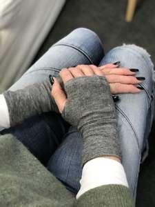 "Gratis Schnittmuster am Freebie Freitag: ""Luva"" fingerlose Handschuhe/Pulswärmer"