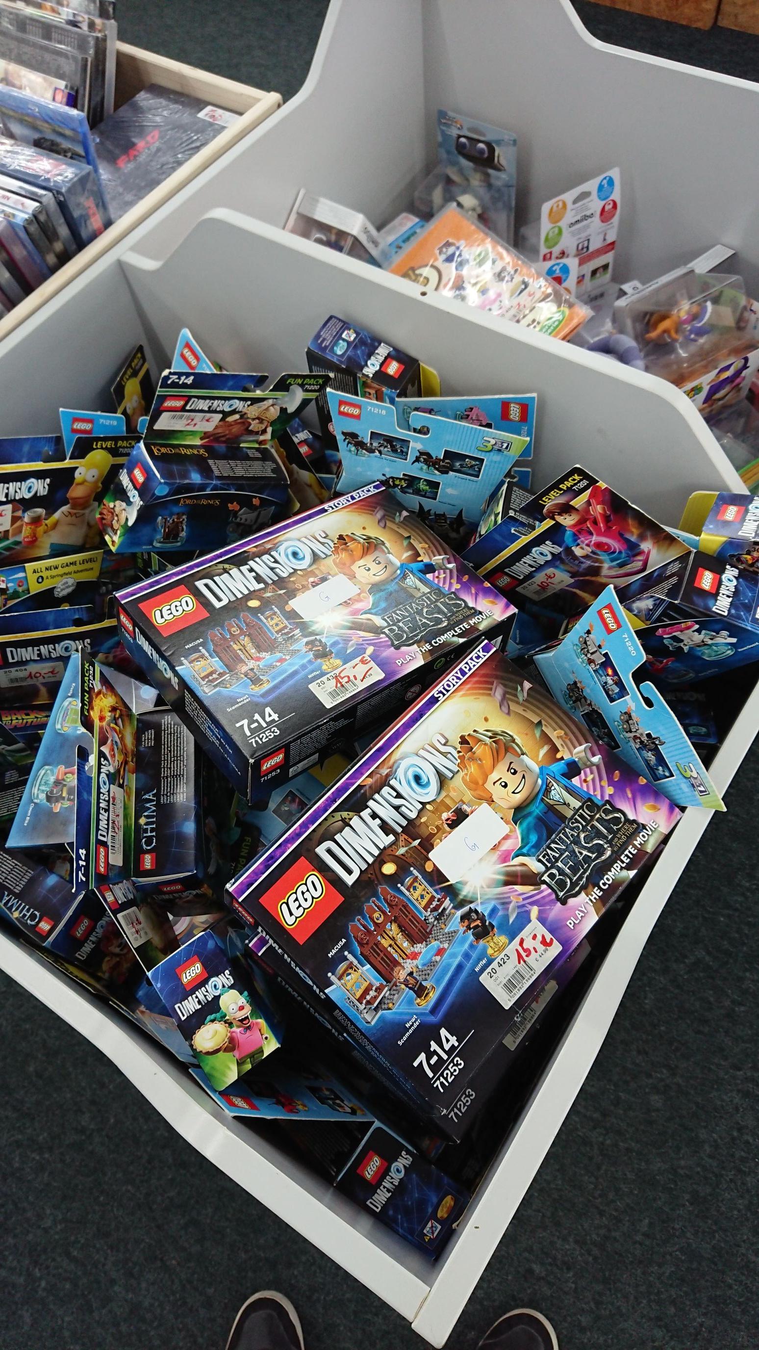 (Lokal) Medimax Grevenbroich Lego Dimensions, Amiibo etc.