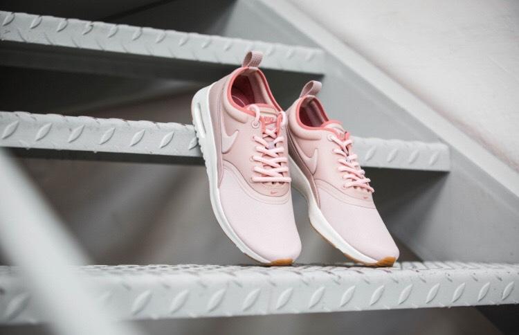 [Sidestep+Runners-Point] Nike Air Max Thea Ultra Premium für 39,99€ inkl Versand (36-40)