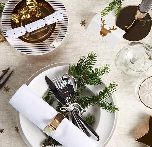 20% Rabatt auf Wohndeko Mode (ab 3 Artikel), Spielzeug, Handtücher, Snacks, Kaffee und Süßigkeiten bei Hema
