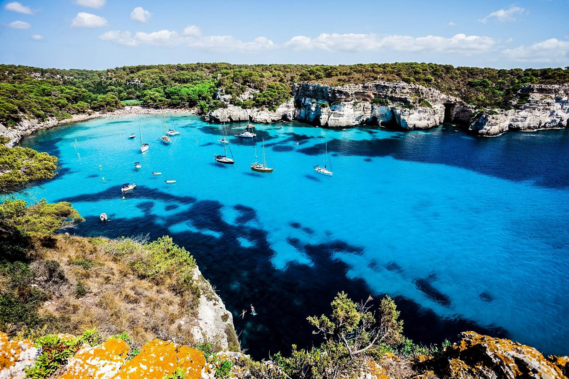 Flüge: Menorca [Juni - Juli] Hin und Zurück von Stuttgart nach Menorca ab nur 11€ inkl. Gepäck