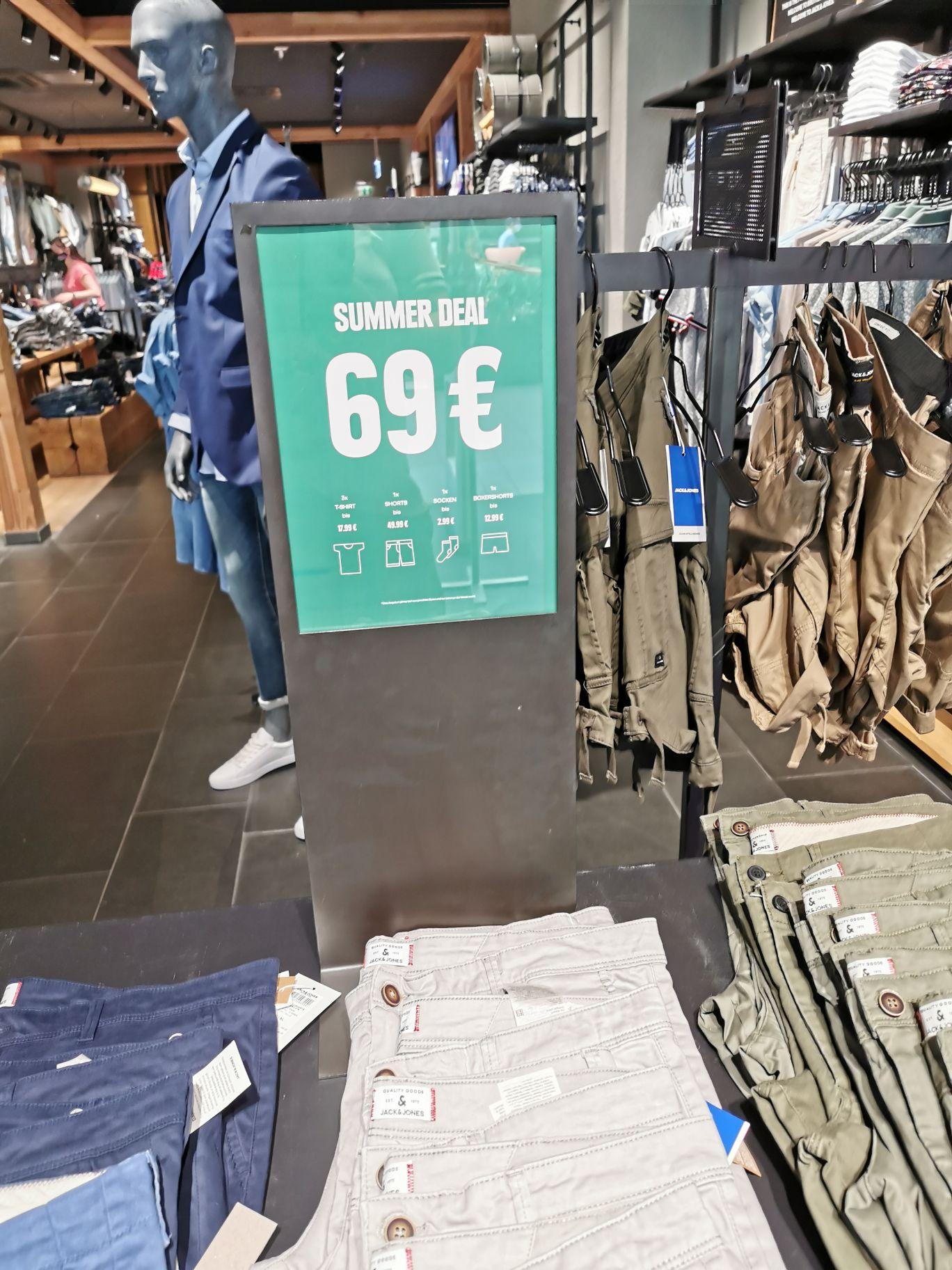 Sommeroutfit für 69€ bei JACK & JONES (lokal)