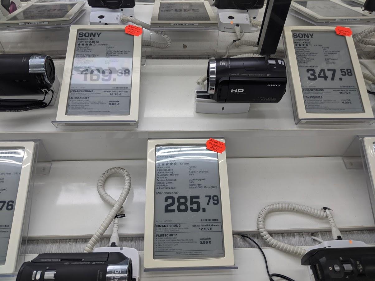 [Saturn Mall of Berlin] Sammeldeal Ausverkauf alter Sony FHD Camcorder / Sony HDR-CX240E / Sony HDR-PJ410 / Sony HDR-CX625 (100/160/200€)