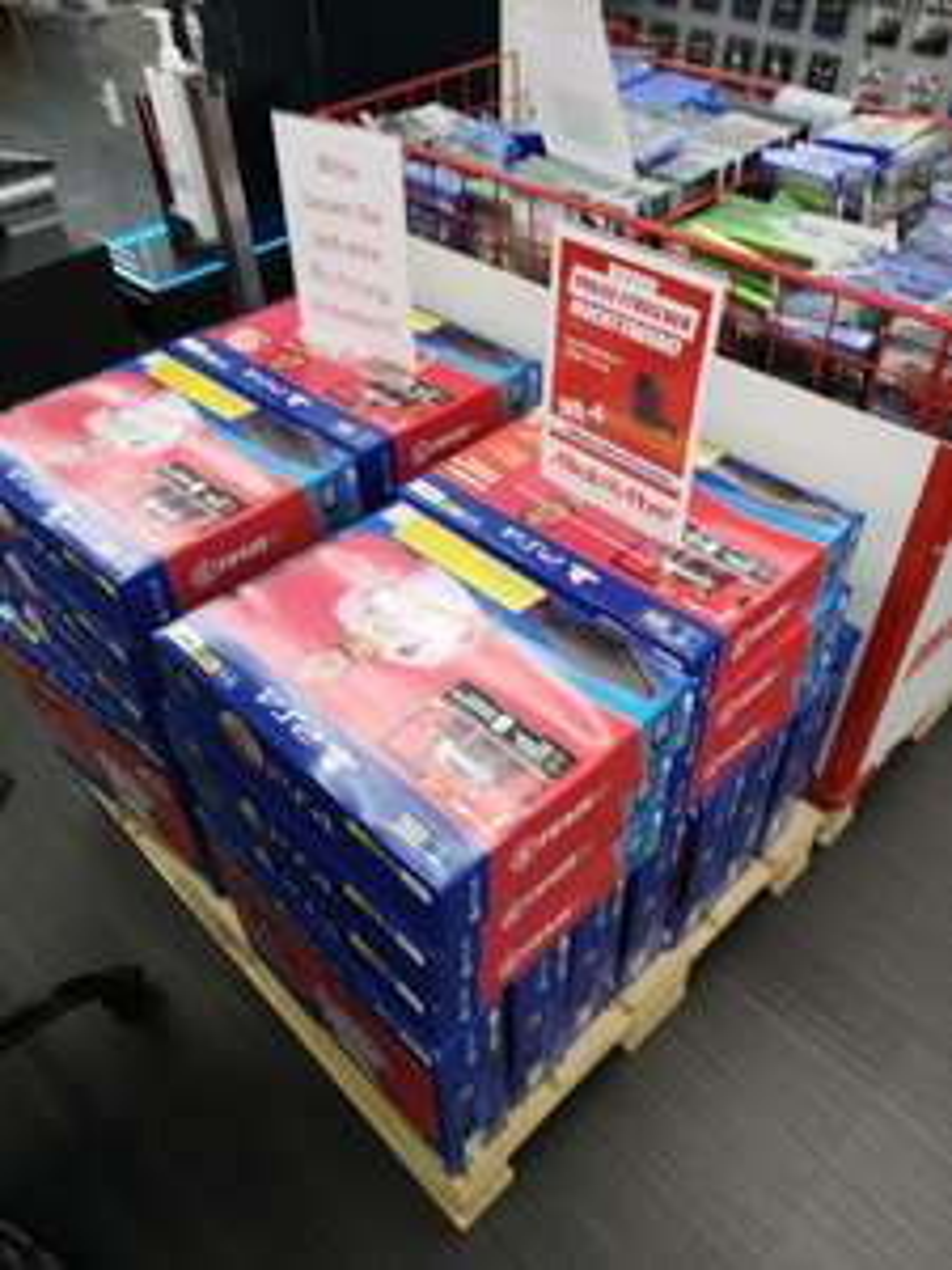 Lokal Media Markt Ingolstadt Playstation 4 500GB + Fifa 20