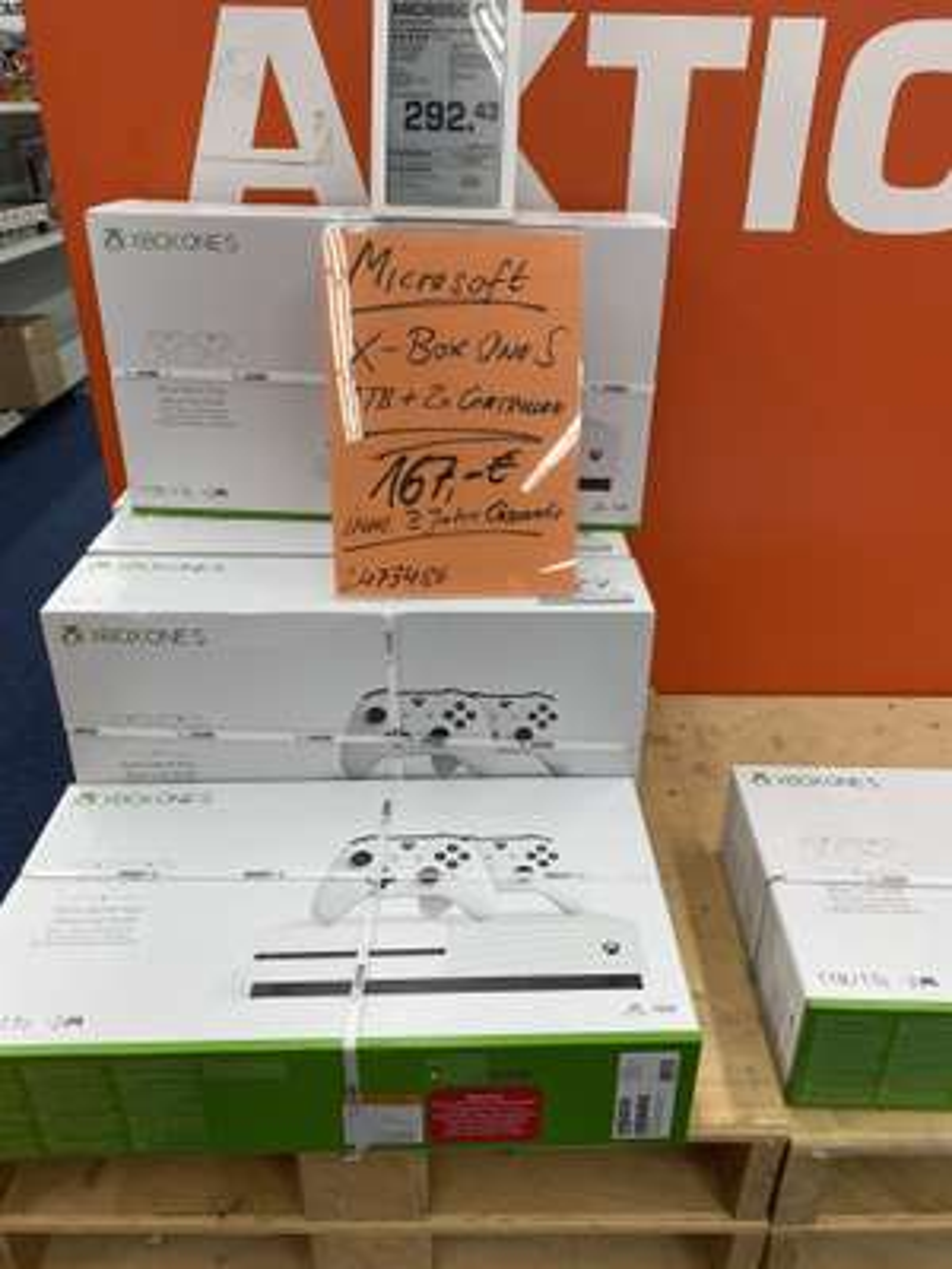 Lokal Saturn Altwarmbüchen Xbox One S mit 2 Controllern