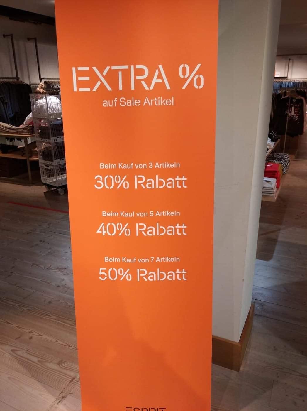 Esprit Super-Sale in Düsseldorf Filiale Schadowstrasse - 50% auf Sale Artikel bei 7 Stück