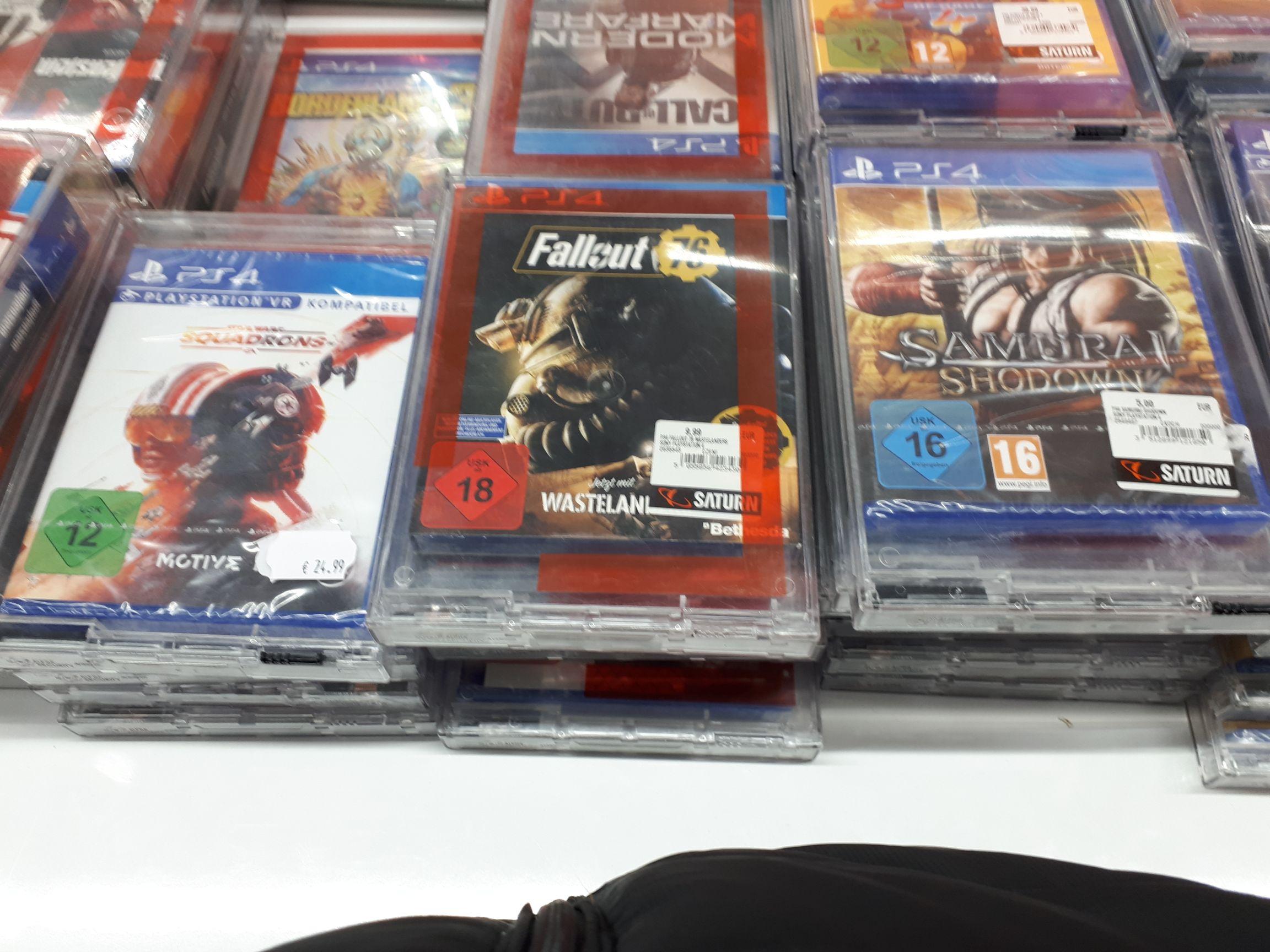 Diverse PS4 Games im Saturn Rostock ab 5 Euro, z.B. Samurai Showdown, darunter Star Wars Squadrons (24,99 €), Fallout 76 (9,99 €)
