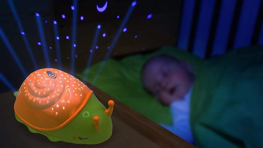 2x Mobiles Sternenlicht Schnecke von Ansmann (LED-Nachtlicht mit Sternenprojektion) - mit 30 Minuten Timer, 3 verschiedene Farben