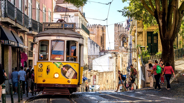 Flüge: Lissabon/ Portugal (bis Oktober) Hin- und Rückflug mit Tap Portugal von Berlin für rund 75€ exkl. Gepäck (StarAlliance)